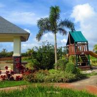 House and Lot for Sale in Tagaytay City (4BR, 3TandB and 2 garage)