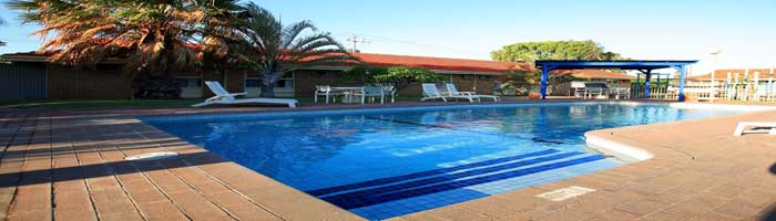 swimming pool companies in uae