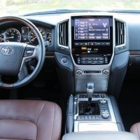 TOYOTA LAND CRUISER 2016 USED ONLY FEW TIMES